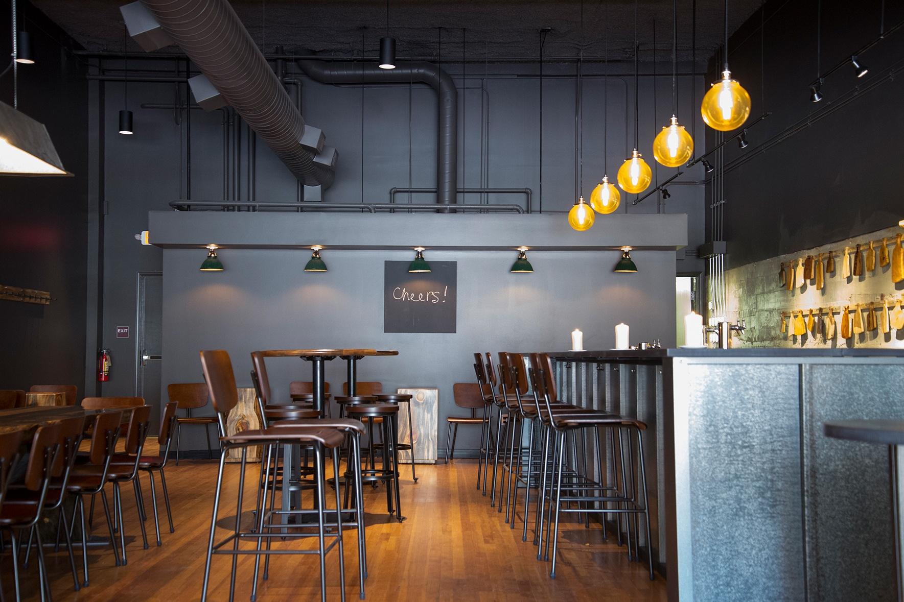 Midnight Snow Ultra Batten Interior Bar